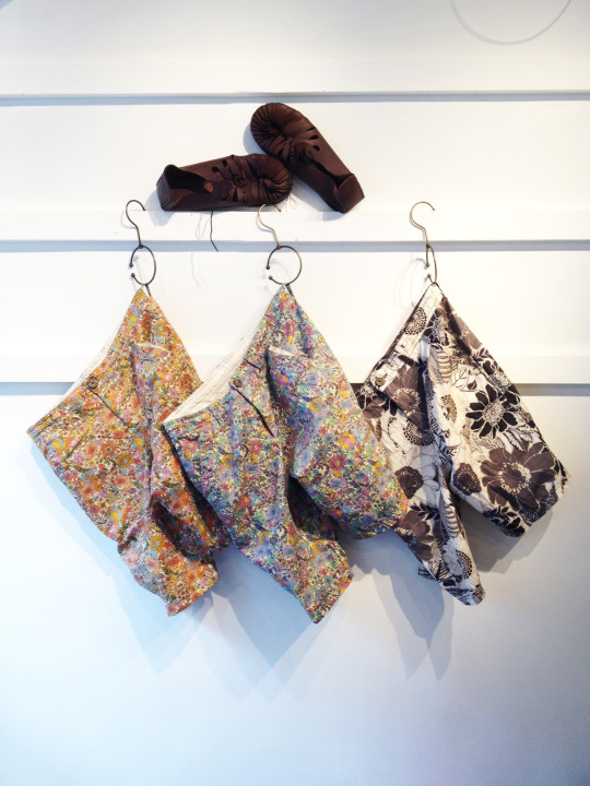 flower shorts & voyage sandal-